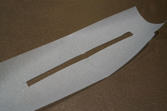 A thin strip cut out of some baking paper makes a good template for making the spiral tuile