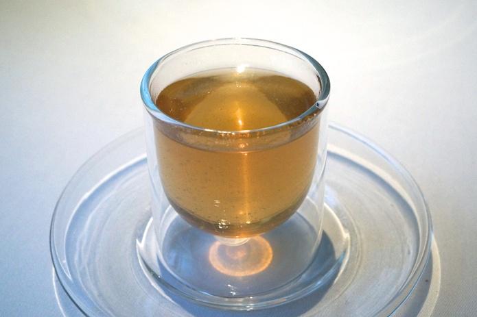 Hot & Iced Tea - It looks like a uniform liquid, but really it is not.