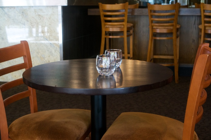 chik-and-kent-perth-indoor-table-interior
